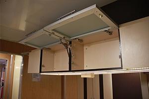 Фотография полок кухонного гарнитура бытового модуля ПОЖ