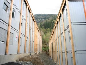 Многоквартирный жилой дом из мобильных блок-контейнеров