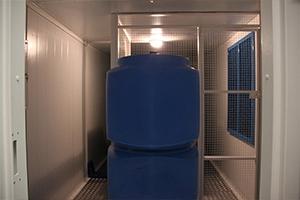 Дополнительный топливный бак встроенный внутри блок-контейнера