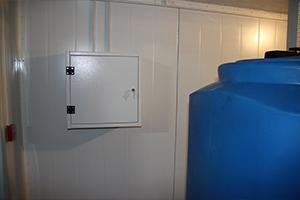 Щит управления освещением внутри блок-контейнера