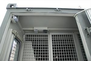 Охранные датчики установленные при входе в контейнер
