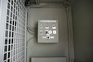 Блок питания и управления установленные в кузов-контейнере