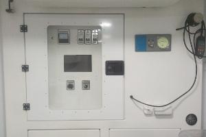 Щит управления медицинской лабораторией в кузов-контейнере
