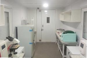 Внутреннее оснащение медицинской лаборатории в блок-контейнере