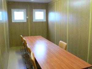 Комната совещаний в мобильном блок контейнере