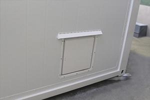 Фотография вывода вентиляции в блок-контейнере