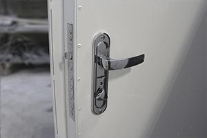 Внутренний вид дверной ручки и замка фото