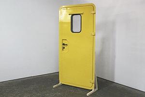 Дверь для контейнера вид сбоку