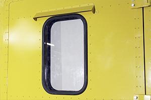 Фотография окна установленного в дверь