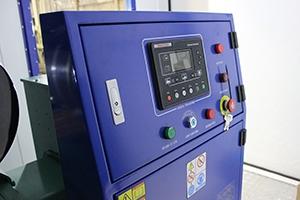 Панель управления электростанцией установленной в контейнере