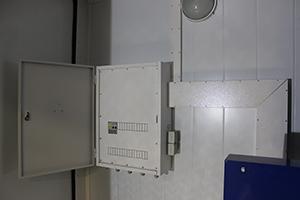 Фото распределительного электрощита контейнера для ДГУ
