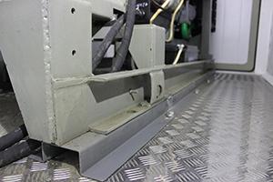 Фотография крепления ДГУ в блок-контейнере