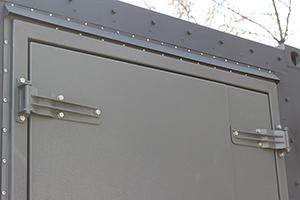 Фотография двери 18-ти метрового контейнера