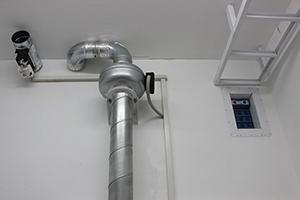Фото автоматической системы вентиляции блок-контейнера