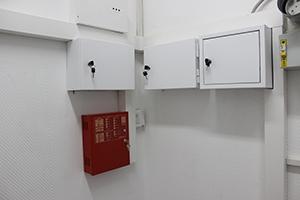 Фото щита управления пожарной сигнализацией