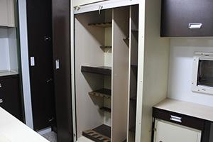 Фото шкафа для хранения оружия в открытом виде