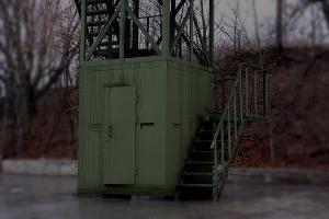 Фото укрытия с бойницами наблюдательной вышки ВН-2