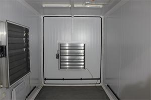 Фото внутреннего вида контейнера для ДГУ