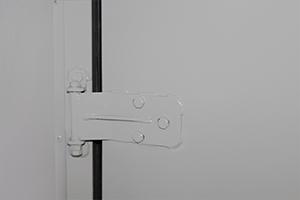 Металлические петли внутренних дверей