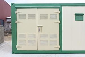 Фото металлических дверей с вентиляционными решетками