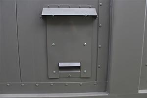 Панель для подключения кабелей электроснабжения в полевой контейнер