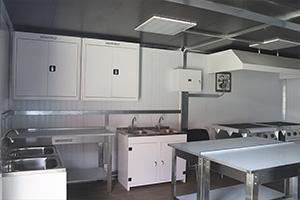 Фото оснащения контейнера из 2-х частей полевая кухня