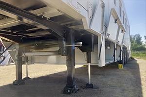 Фото системы вывешивания и горизонтирования контейнера