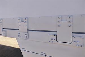 Металлические крепления выдвижной части контейнера