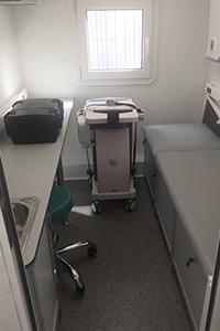Фото кабинета доктора в медицинском контейнере