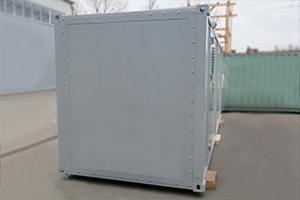 Вид сбоку металлического блок-контейнера