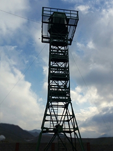Фото металлической наблюдательной вышки
