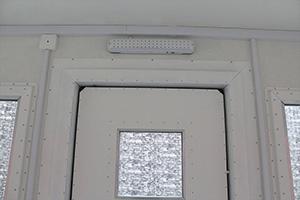Фотография освещения установленного в бронированный КПП